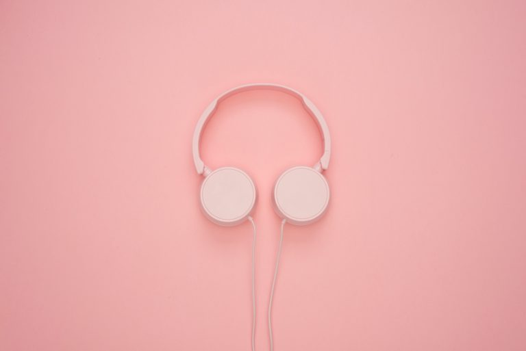 casque d'écoute rose